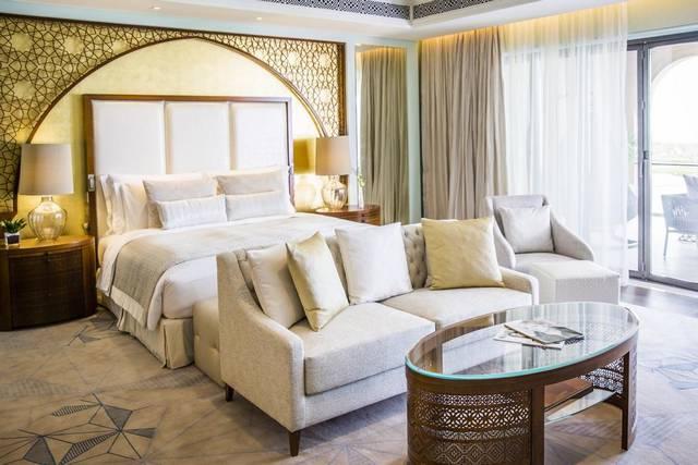 يعد فندق جميرا البحرين من افضل المنتجعات بالبحرين التي تُوفّر العديد من الأنشطة الترفيهية