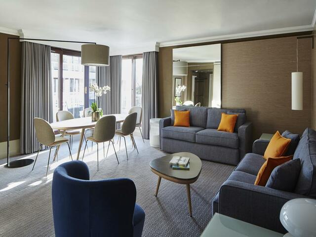 أناقة تصميم الأثاث في ماريوت لندن ريجنت بارك هو ما يجعل الفندق مميزاً.