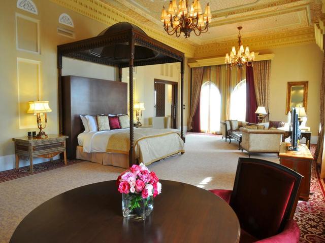 تمتع بإقامة في افضل فندق في المنامة حيث يتميز فندق سوفتيل البحرين بحداثة التصميم