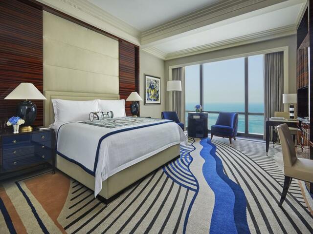ربما يكون فندق فور سيزون البحرين أفضل فنادق المنامة. جرب و أخبرنا.