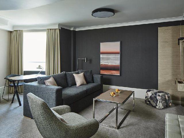 غرفة معيشية في ماريوت مايدا فالي لندن
