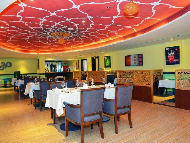 يحتوي فندق مشعل البحرين على مطعم رائع يتسع لأعداد كبيرة من السُيّاح