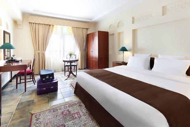 يُعد منتجع نوفوتيل الدانة البحرين من افضل فنادق البحرين بسبب موقعه المُميّز