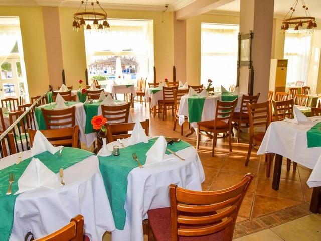 يوفر بانوراما بانجلوس ريزورت الجونة عدداً من المطاعم التي تقدم أشهى المأكولات