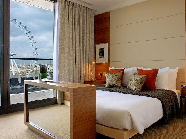 غرفة قياسية بإطلالة في فندق بارك بلازا كاونتي هول لندن