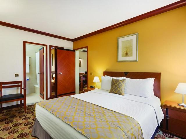 يوفر رامادا البحرين غُرف مُريحة بمساحات واسعة