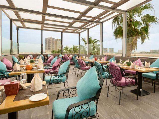 بإمكانك الاستمتاع بالعديد من المرافق الترفيهية التي تقدمها فندق رمادا البحرين السيف