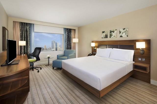 يُعد هيلتون من افضل فنادق راس الخيمة  فهو يضم مرافق وخدمات مُميّزة