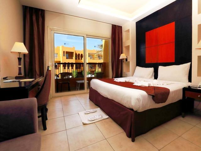غرف إقامة مريحة بتصميمات عصرية و جذابة في فندق ريحانة ريزورت شرم الشيخ 4 نجوم