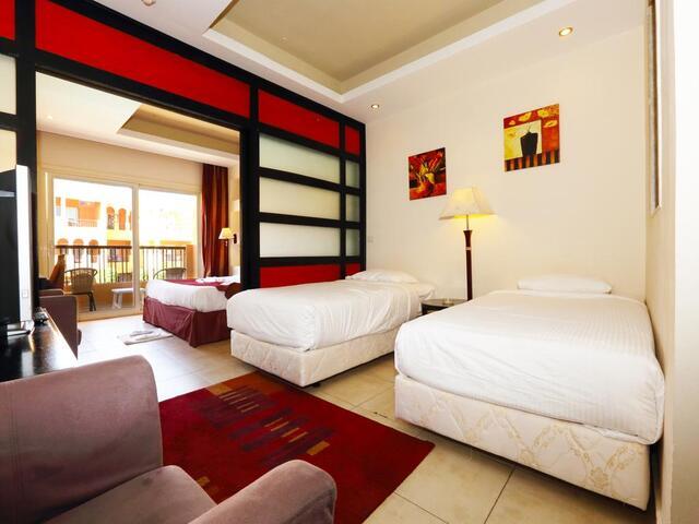 أماكن الإقامة في فندق ريحانة ريزورت شرم الشيخ 4 نجوم تسع كل الأفراد