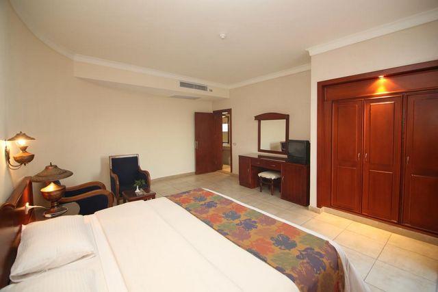 غرف عصرية في فندق ريف شرم ريزورت افضل منتجعات شرم الشيخ 4 نجوم