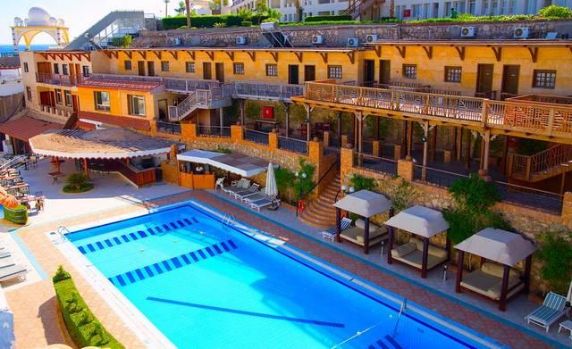 يُعد فندق نعمة بلو شرم الشيخ أرقى فنادق شرم الشيخ خليج نعمة 3 نجوم لكونها تضم العديد من المرافق الخدمية والترفيهية