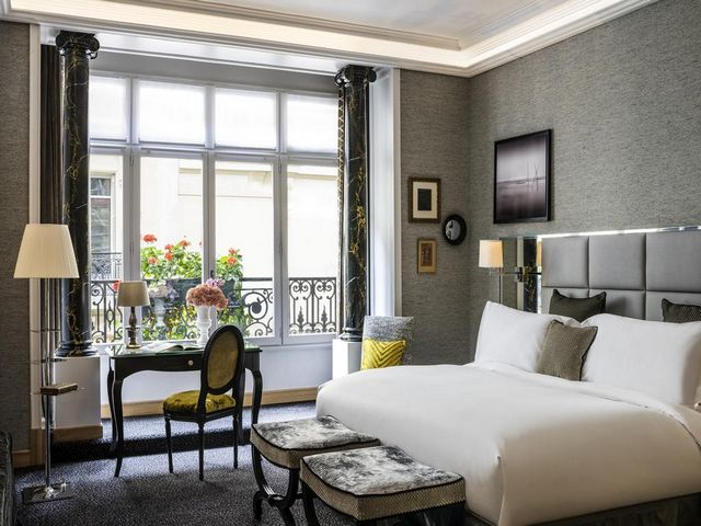 فندق سوفيتل باريس بالتيمور برج إيفل يتميز بالديكور العصري والأنيق