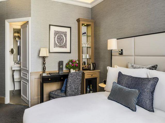 فندق سوفيتل باريس بالتيمور برج إيفل ذو طابع باريسي مميز