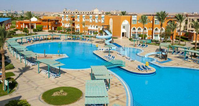 احصل على آراء الزوار العرب حول فندق صن رايز جاردن بيتش