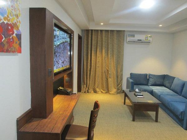 أجمل أثاث في أجود الفنادق في الباحة