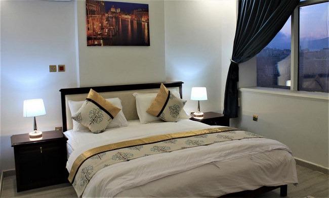 غُرف جميلة ونظيفة بأفضل فنادق في الباحة