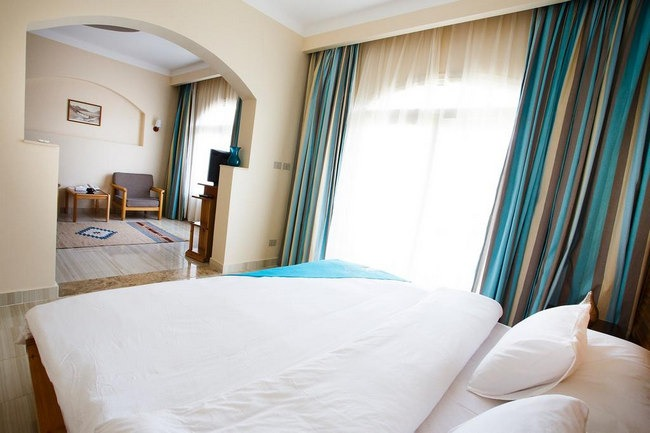 أجمل الفنادق في دهب تضٌم أجنحة عائلية راقية