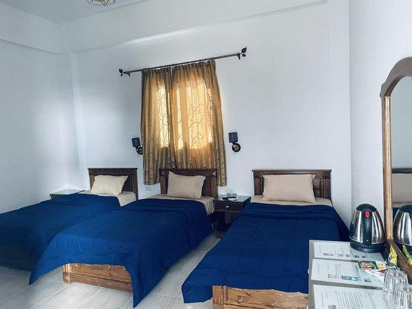 افضل فنادق دهب تحوى غُرف عائلية ثُلاثية رائعة