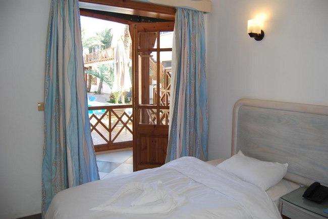 فنادق مدينة دهب تحوي وحدات رائعة بها تراس بإطلالة على مسبح