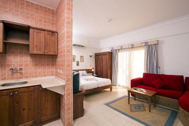 أجنحة فسيحة بمرافق حديثة في أجمل فندق في دهب