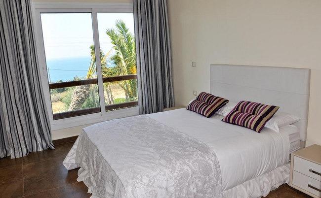 أرقى الغُرف المُطلة على البحر في أجمل فنادق في طنجة