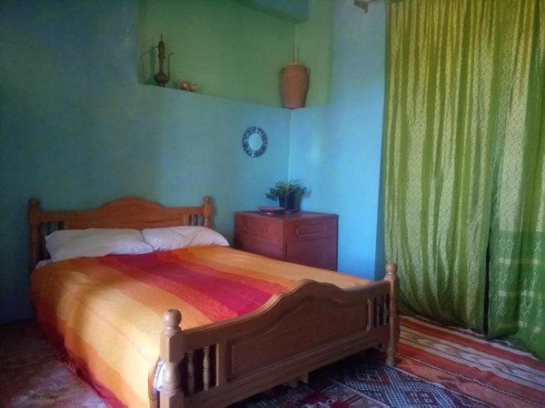 غُرفة ريفية بسيطة مُطلة على البحر بأحد   أفضل فنادق في طنجة