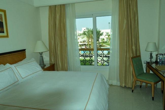 غُرفة قياسية أنيقة مُطلة على المسبح في ارخص الفنادق في شرم الشيخ