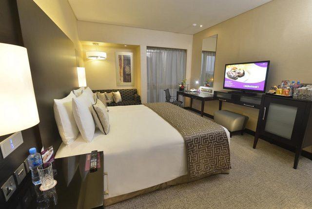 يقدم كراون بلازا البحرين غرفاً تتميز عن سواها في الاتساع والرحابة