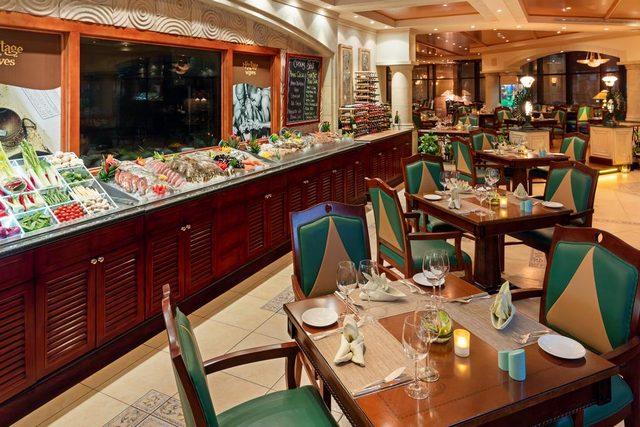 أشاد النزلاء بوجبة الإفطار في  كراون بلازا البحرين حيث تُقدم كل يوم تشكيلة متنوعة من الأطباق