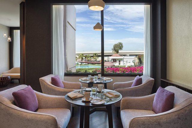 إطلالات مميزة يُقدّمها فندق كراون بلازا البحرين