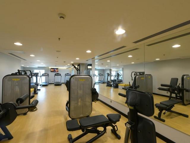 يوفر إيبيس السيف المنامة مركز للياقة البدنية مجهز بكامل المعدات الحديثة
