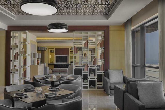 يوفر لو ميريديان البحرين 3 مطاعم في الموقع تتميز بأصنافها وجودتها