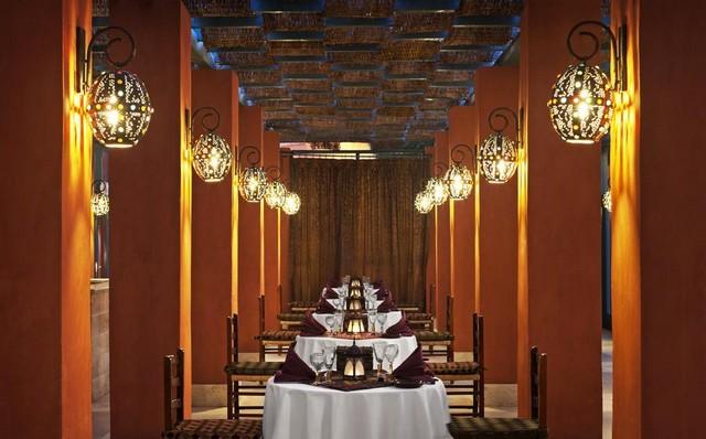 يُقدم شيراتون ميرامار الجونة العديد من المطاعم الفاخرة