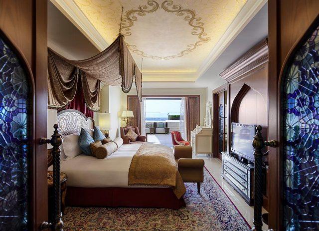 يُقدّم فندق سوفتيل البحرين أماكن إقامة غاية في الفخامة والذوق