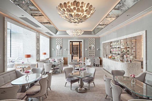 حصلت فندق ذا بيركلي لندن على العديد من الجوائز