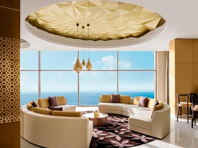 افضل المنتجعات في عمان خيار مثالي للرفاهية مقارنة بـ فنادق عمان التقليدية