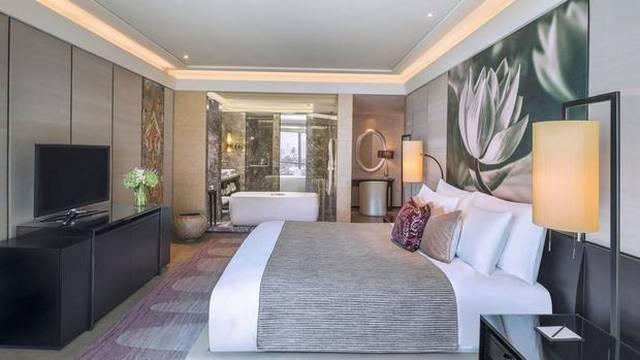 افضل فندق في بانكوك قريب من الاسواق هو فندق سيام كمبنسكى