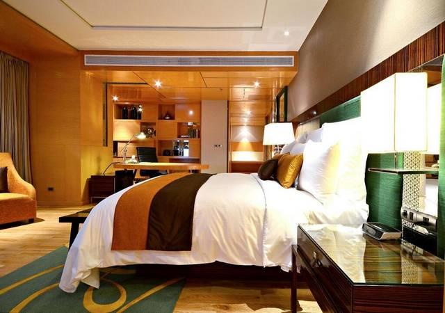 من بين افضل فنادق بانكوك يتميّز فندق رينيسانس بانكوك بفريق عمل محترف