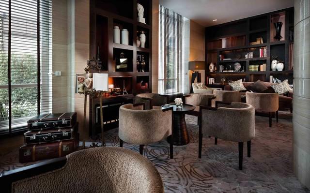 من بين افضل فنادق بانكوك للشباب يتميّز  سوفيتيل بانكوك بفريق عمل محترف