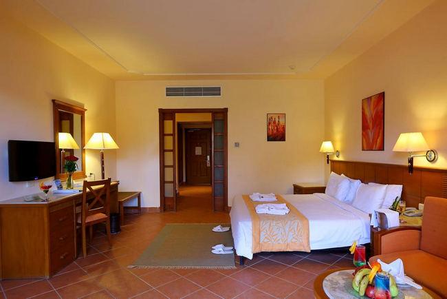 غُرفة قياسية رائعة في فندق شارميليون جاردن اكوا بارك شرم الشيخ