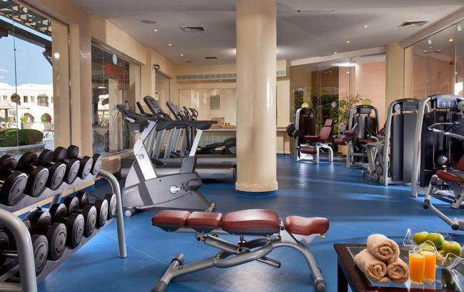 نادي لياقة بدنية عصري في فندق شارمليون جاردن شرم الشيخ