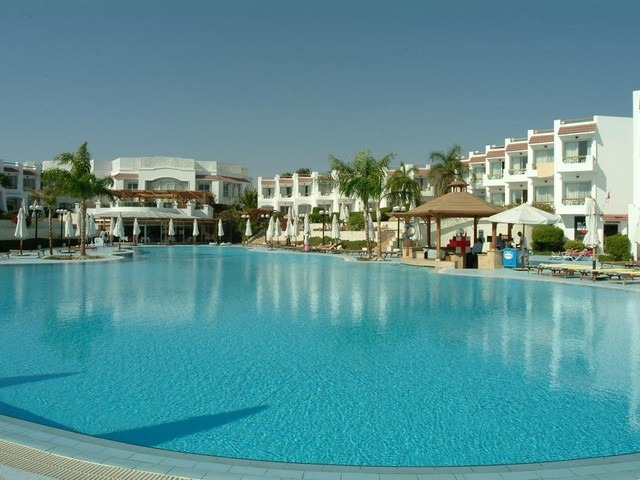 اطلالات مميزة على المسبح في فندق سيرين شرم الشيخ 4 نجوم المميز