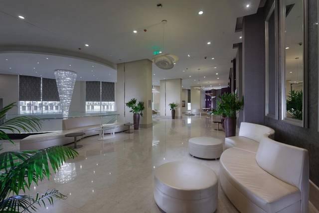 فندق ستيجنبرجر التحرير الذي يضم فريق عمل مُميّز ما جعله من افخم فنادق القاهرة وسط البلد