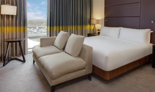 جمال الغُرف و الإطلالات من فندق هيلتون لندن الجميل في ويمبلي