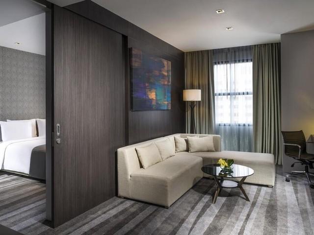مناطق المعيشة في غرف فندق هوليدي ان بانكوك سوخومفيت