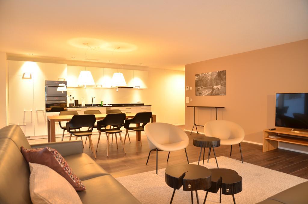غرفة في شقة روغينبارك انترلاكن احد فنادق انترلاكن خمس نجوم