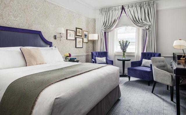 احصل على أفضل فندق في لندن قد شهدَ بأفضليته ورشحه مُعظم مَن قام بتجرُبة الإقامة به