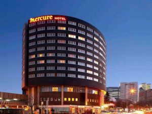 تقرير عن فندق ميركيور لاديفانس باريس