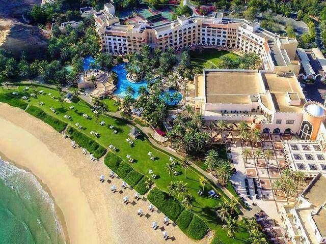 افضل فنادق مسقط  تلك التي تتمتع بإطلالة على البحر